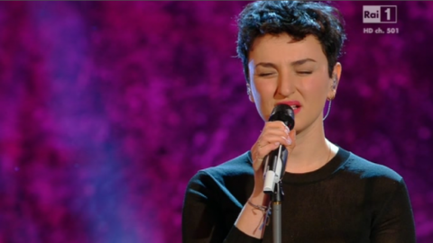 Sanremo parte con un tentato suicidio e parecchie canzoni che lo giustificano