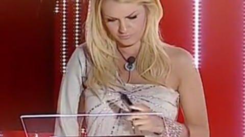 Pasquetta fuori porta (rossa) per Valentina. Al televoto Mia, Chicca, Modestina e Fabio.